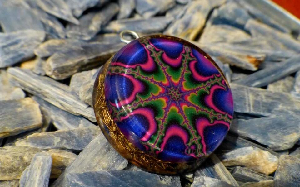 FRACTALS violet color – Orgone Pendant