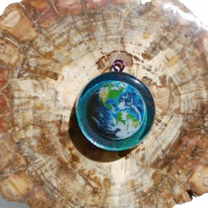 earth pendant orgonite